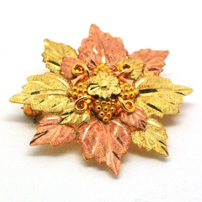 Blacks Hills gold brooch